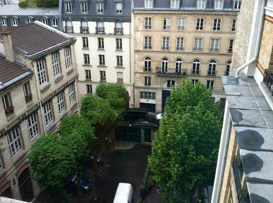 Citadines Prestige Saint-Germain-des-Pres: our view of paris...