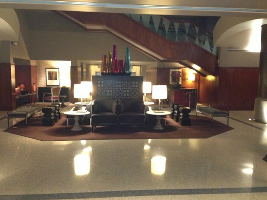 The Magnolia Hotel Dallas: Lobby