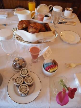 The Pierre, A Taj Hotel, New York: Breakfast