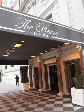 The Pierre, A Taj Hotel, New York: Side entrance