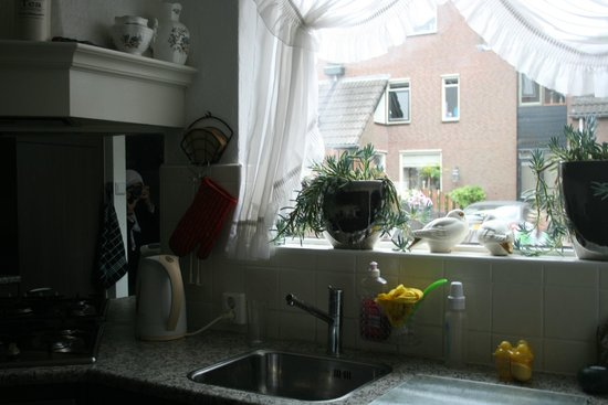 Colette's Family Homes Bed and Breakfast: Collette's kitchen