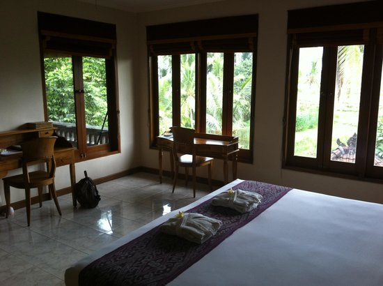 ONEWORLD retreats Kumara: Rm3