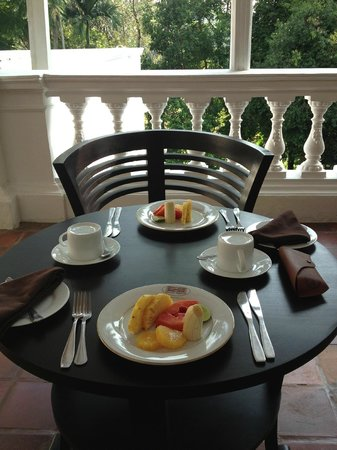 The Mansion: Breakfast on the terrace