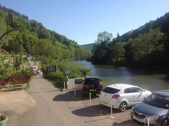 Symonds Yat, UK: view from outside Garth Cottage :)