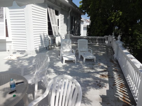 Amsterdam's Curry Mansion Inn: 206 deck