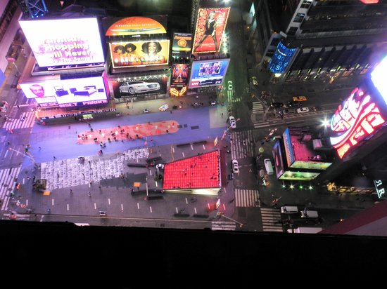 DoubleTree Suites by Hilton Hotel New York City - Times Square: King Room on 27th floor - view from room window down