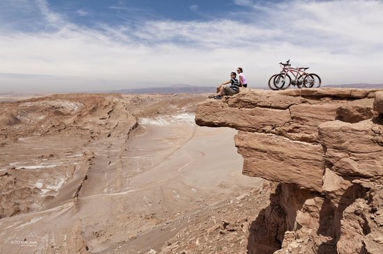 Alto Atacama Desert Lodge & Spa: Bike ride to lookout over Death Valley