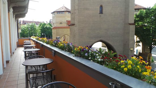 Hotel Torbrau: View from Hotel's balcony & breakfast room