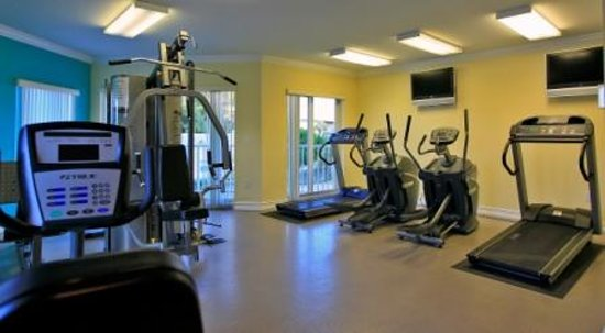 Sunset Vistas Beachfront Suites: Fitness Center