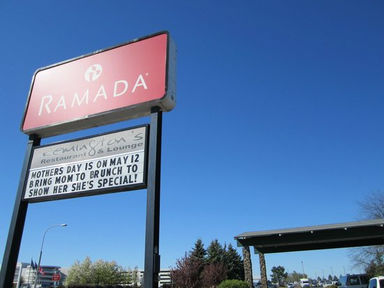 Ramada at Spokane Airport: Don't miss Remington's