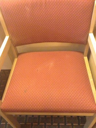 Days Inn Fort Walton Beach: Stains on Chair