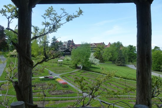 Mohonk Mountain House: Yet another view