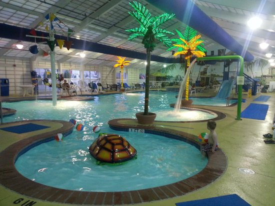 Francis Scott Key Family Resort: Indoor pool - all to ourselves!