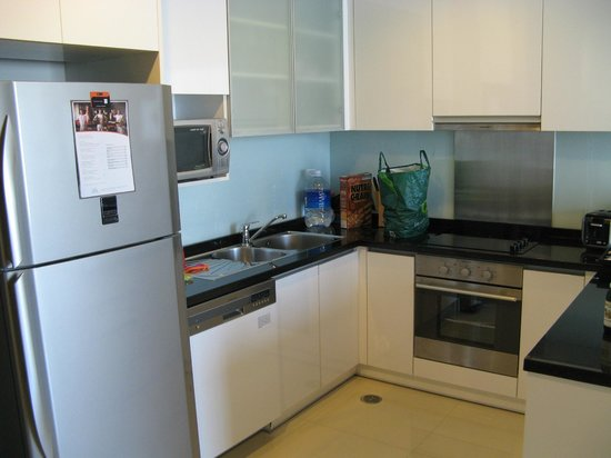 Sukhumvit Park, Bangkok - Marriott Executive Apartments: Kitchen
