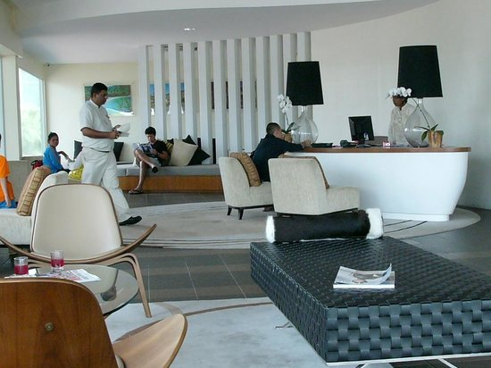 Pangkor Laut Resort: Mainland lounge