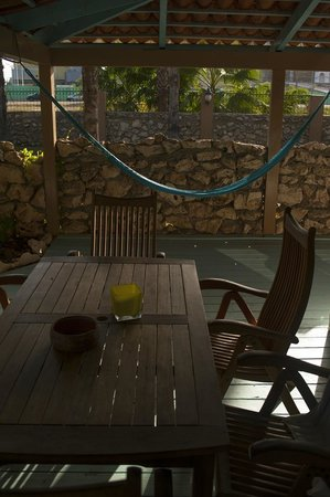 Boardwalk Hotel Aruba: Patio of casita with hammock
