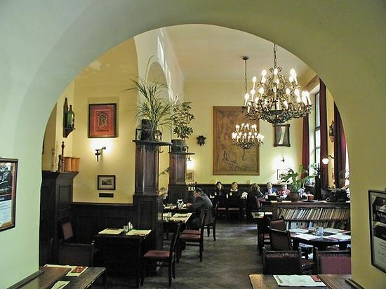 Food in , Hungary, visiting things to do in Hungary, Travel Blog, Share my Trip