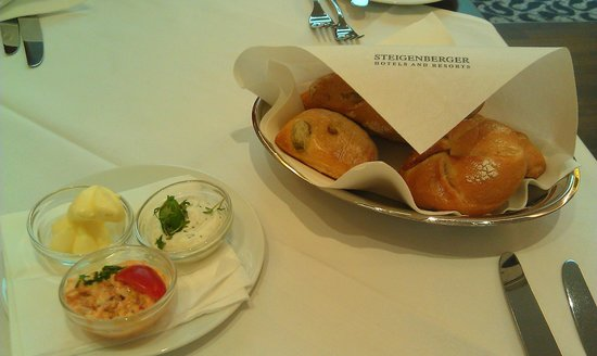 Steigenberger Hotel Herrenhof Wien: Lunch в отеле