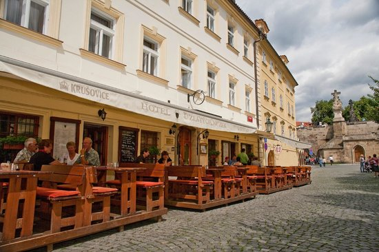 The 10 best restaurants near archibald at the charles bridge for Charles hotel prague