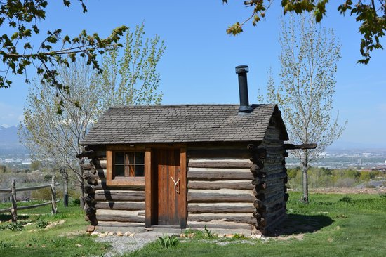 Pioneer history village log cabin picture of city for Log cabins in utah