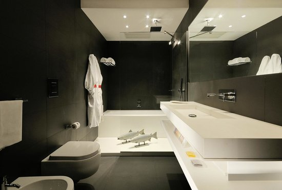 Hotel Alpi: one bathroom in one deluxe  room