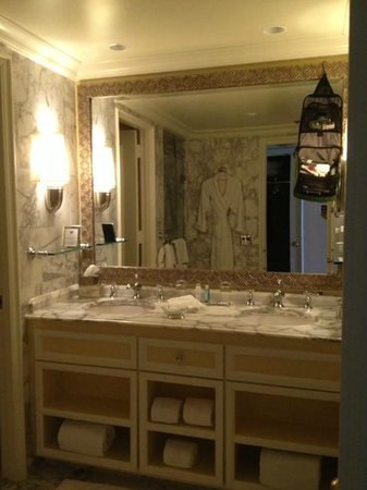 The Ritz-Carlton, Palm Beach: Bathroom vanity