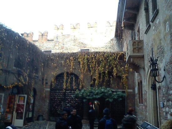 Grand Hotel Verona : Juliet's house.