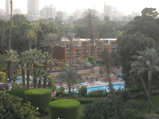 Pool and beautifull gardens picture of cairo marriott for Terrace hilton zamalek