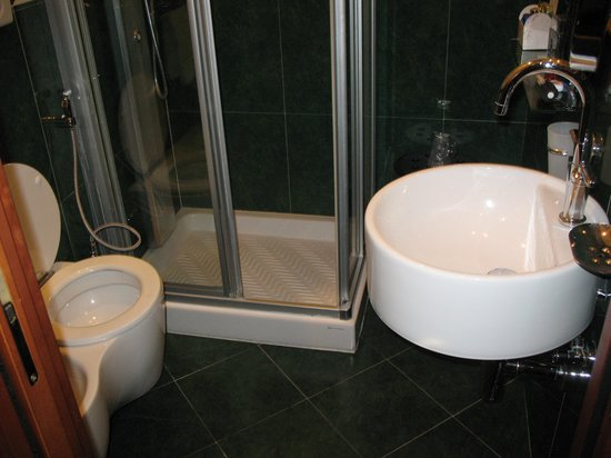 Hotel Manfredi Suite in Rome: Bathroom