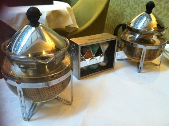 Hilton London Green Park: Tea infuser