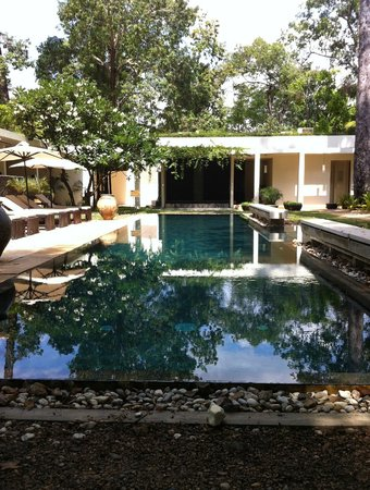 FCC Angkor: The pool