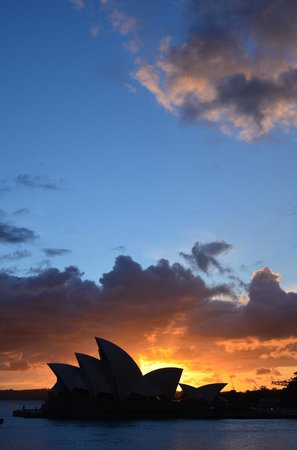 Park Hyatt Sydney: Final sunrise view from the room over the Opera House.