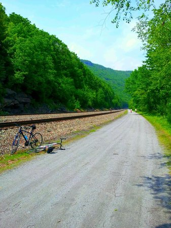 Mount Airy Casino Resort: Lehigh Bike Path