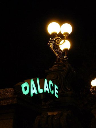 Palace Hotel: Exterior at night