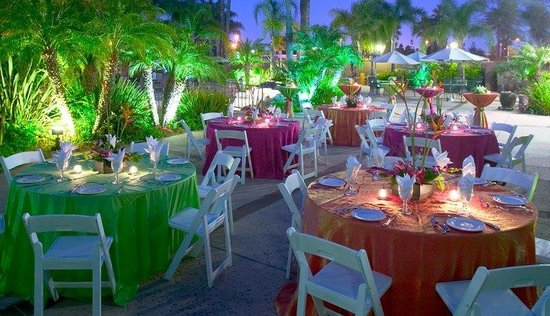 Holiday Inn San Diego-Bayside: Pool-Side Special Events