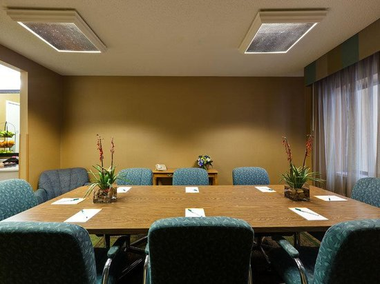 Willowbrook, IL: Meeting Room