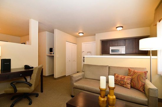 BEST WESTERN PLUS Bainbridge Island Suites: Guest Room