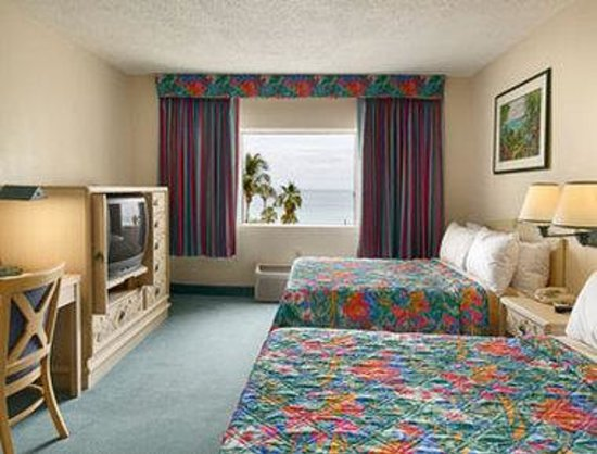 Days Inn Miami Beach / Oceanside: Standard Two Double Bed Room