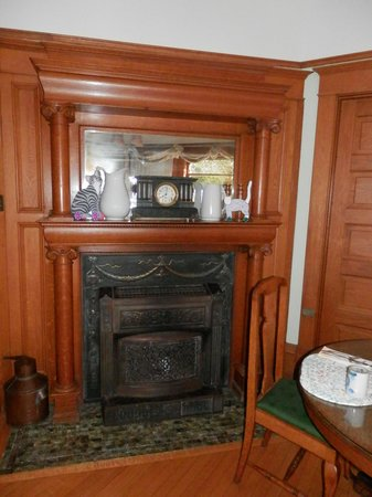 White Lace Inn: main house fireplace
