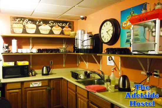 Adelaide Hostel: The kitchen!