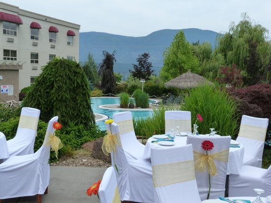 Podollan Inn: Pool-side Weddings