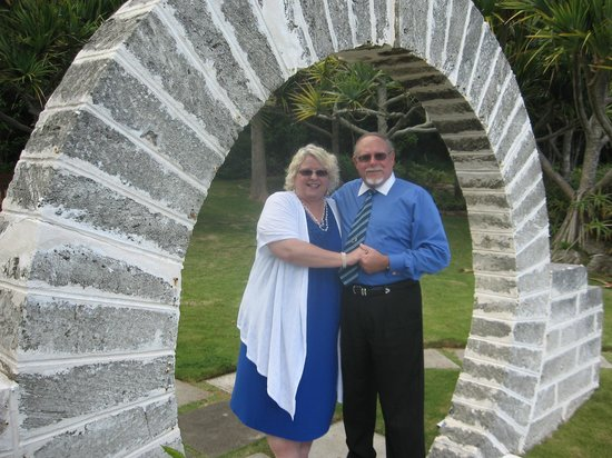 Coco Reef Resort Bermuda: Renewing vows under Moon Gate