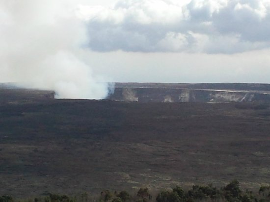 Volcano House: View of Halema'uma'u crater from crater view rooms