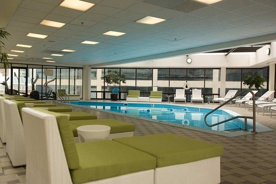 DoubleTree by Hilton Nashville-Downtown: Indoor Pool