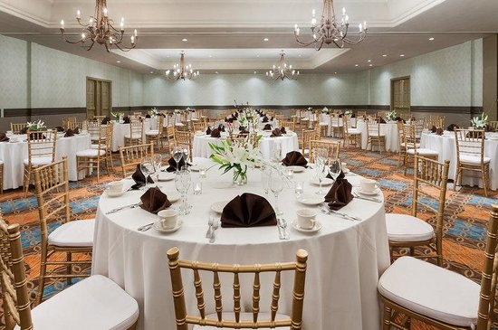 Embassy Suites Mandalay Beach Hotel & Resort: Mandalay Ballroom
