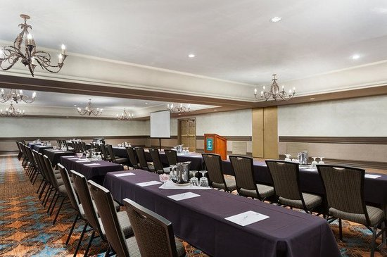 Embassy Suites Mandalay Beach Hotel & Resort: Embassy Ballroom