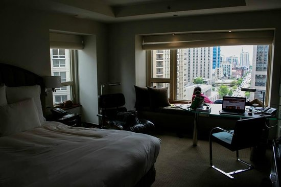 Park Hyatt Chicago: Our room, overlooking the Magnificent Mile