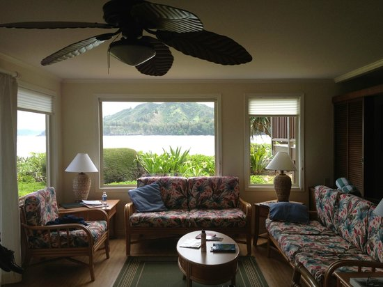 Hanalei Colony Resort: Living Room w/View