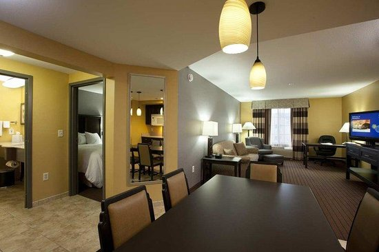 Hampton Inn Holland: Family Suite