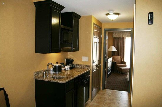 Hampton Inn Holland: King Suite